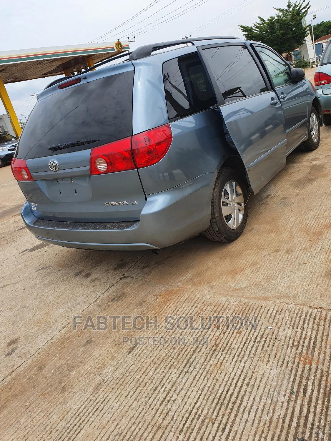Toyota Sienna 2007 LE 4WD Blue | Cars for sale in Ikorodu, Lagos State, Nigeria