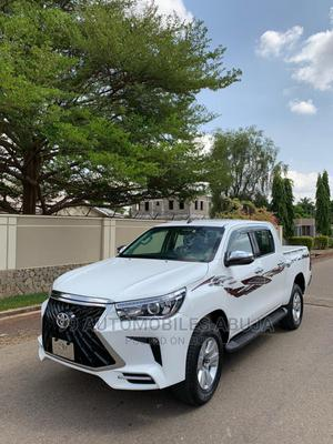 New Toyota Hilux 2017 SR 4x4 White | Cars for sale in Abuja (FCT) State, Asokoro