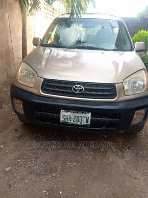 Toyota RAV4 2005 2.0 Automatic Gold | Cars for sale in Kwara State, Offa