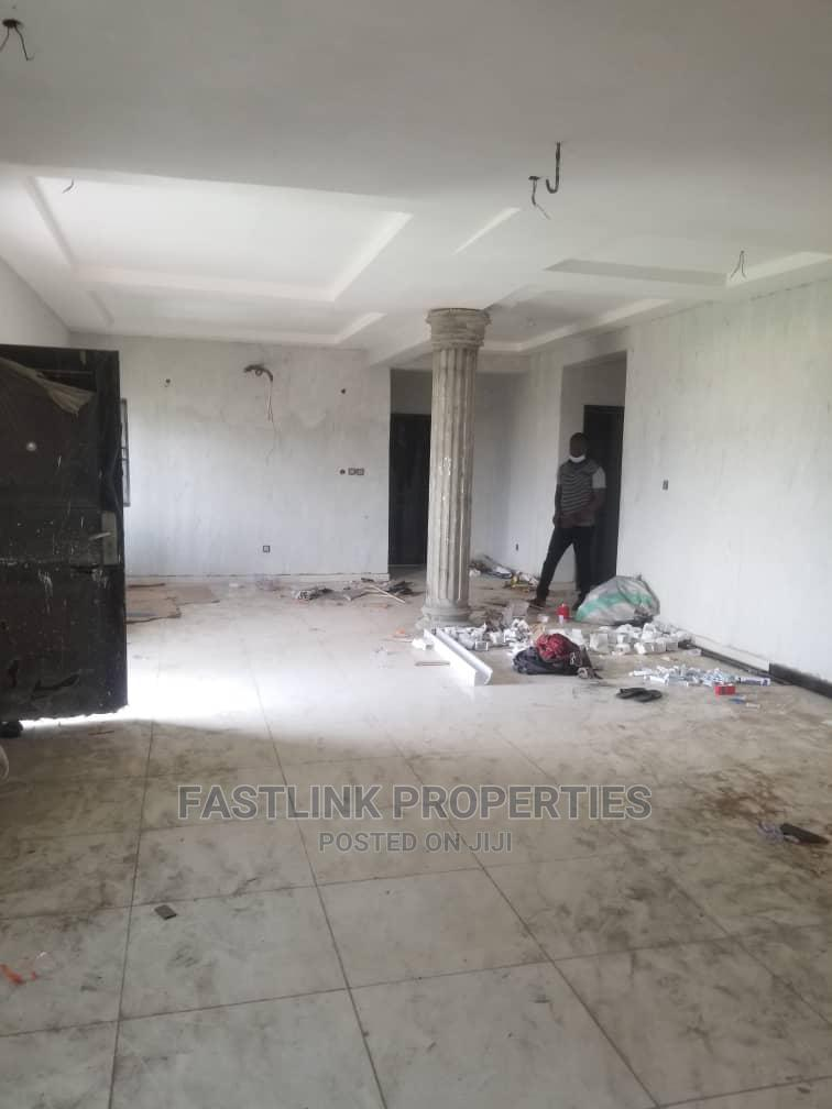 Archive: 3bdrm Block of Flats in Idado for Rent