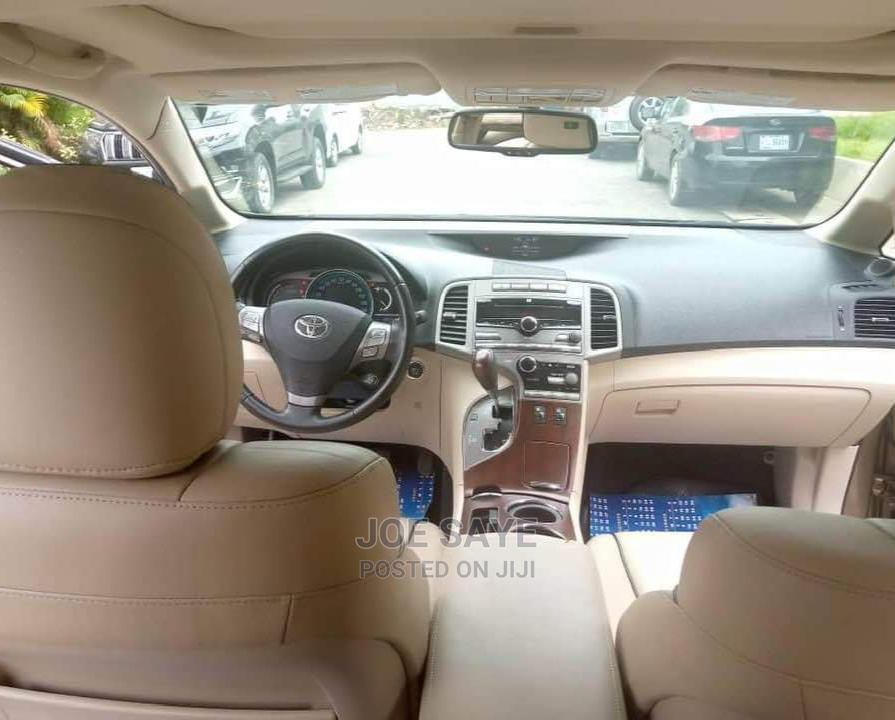 Archive: Toyota Venza 2011 Brown