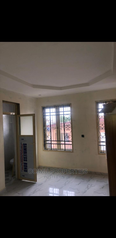 3bdrm Block of Flats in Adelabu for rent