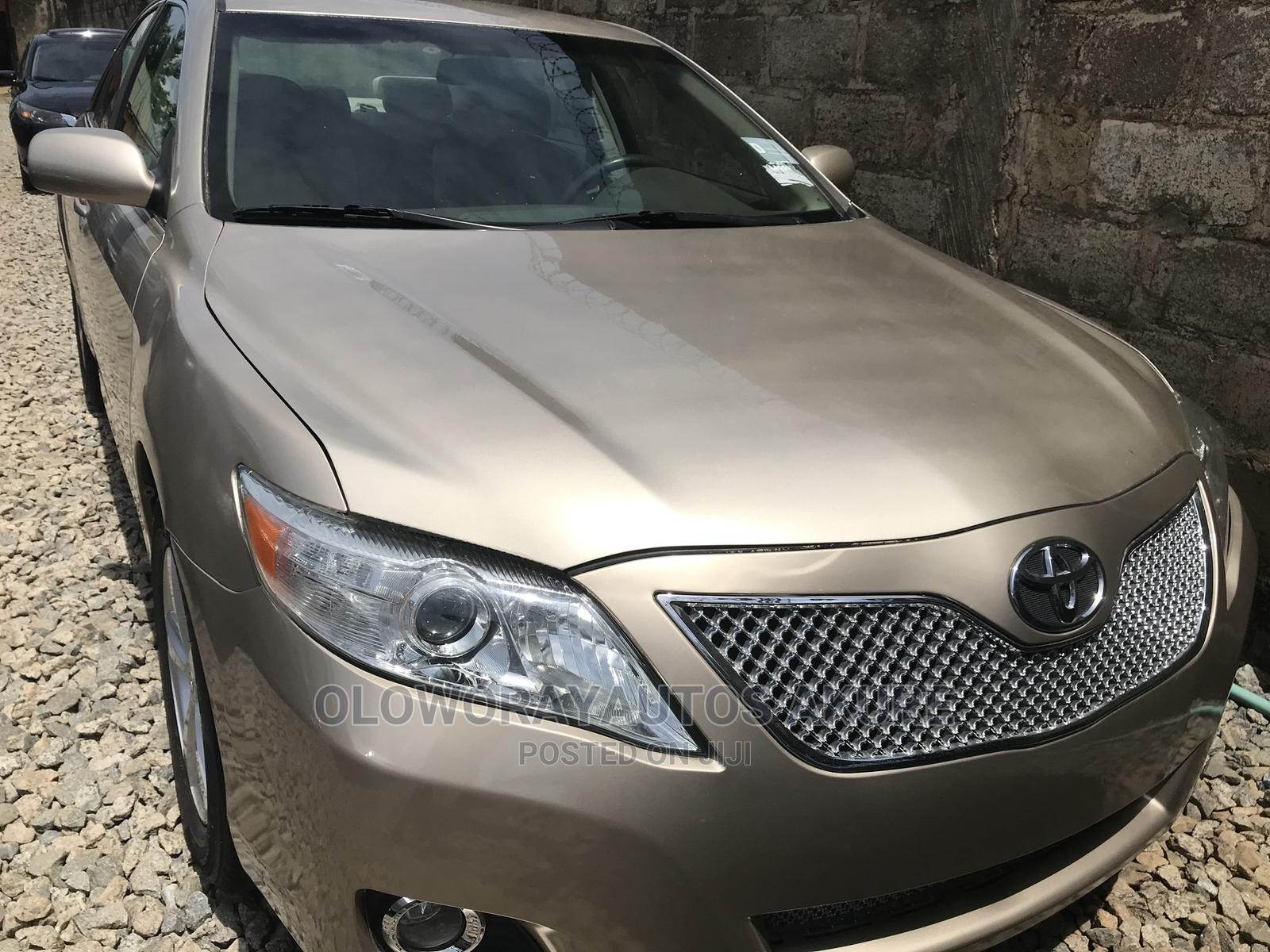 Toyota Camry 2007 Gold