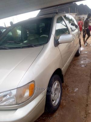 Toyota Sienna 2002 XLE Gold   Cars for sale in Enugu State, Enugu