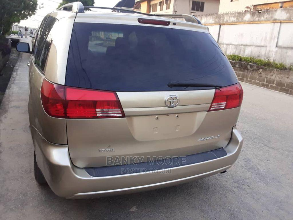 Toyota Sienna 2005 LE AWD Gold   Cars for sale in Gbagada, Lagos State, Nigeria