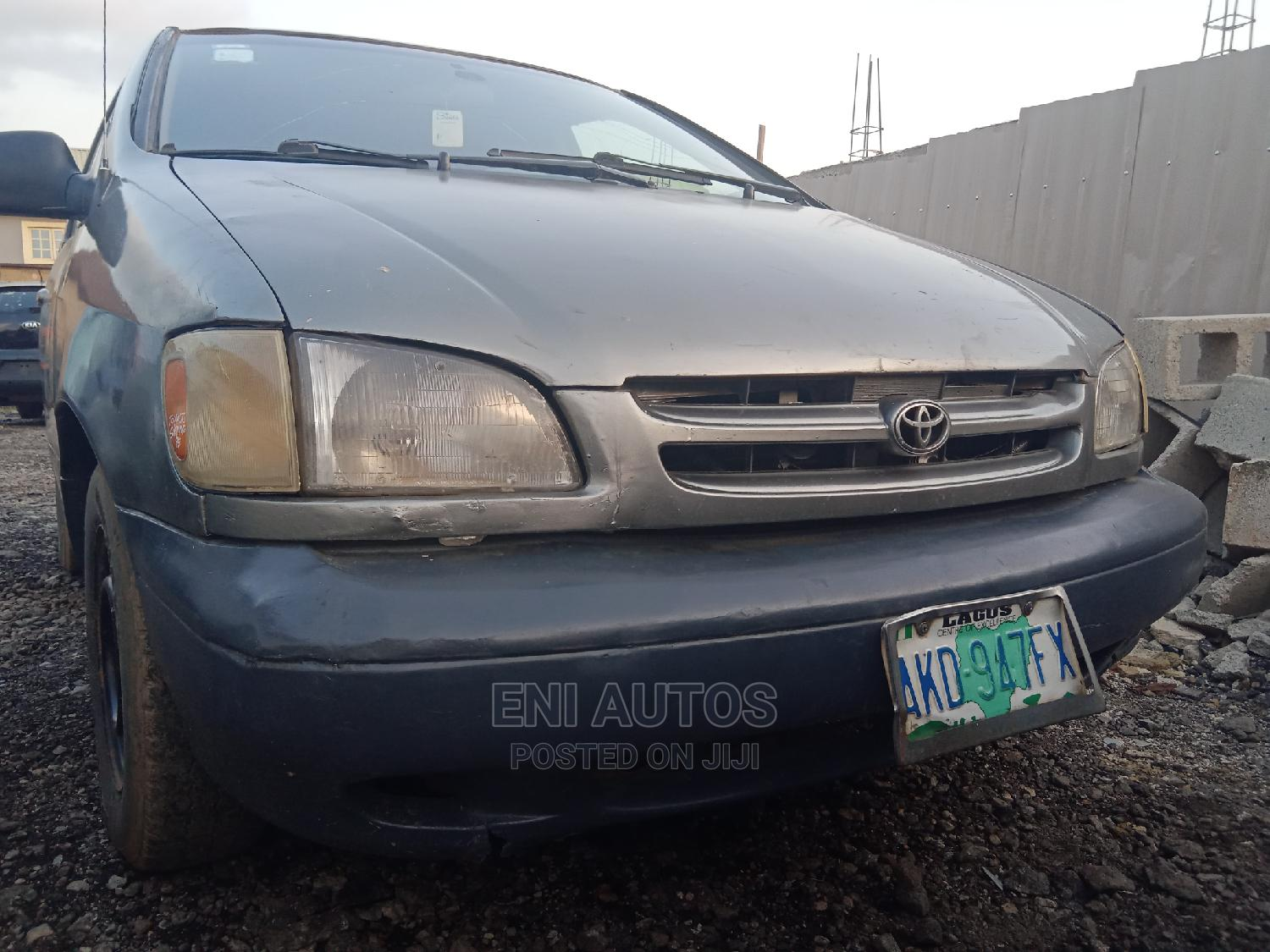 Toyota Sienna 1999 LE 3dr Brown | Cars for sale in Ojodu, Lagos State, Nigeria