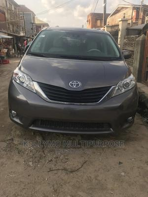 Toyota Sienna 2013 XLE FWD 8-Passenger Gray | Cars for sale in Lagos State, Surulere