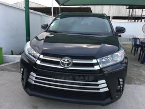 Toyota Highlander 2017 XLE 4x4 V6 (3.5L 6cyl 8A) Black | Cars for sale in Lagos State, Gbagada