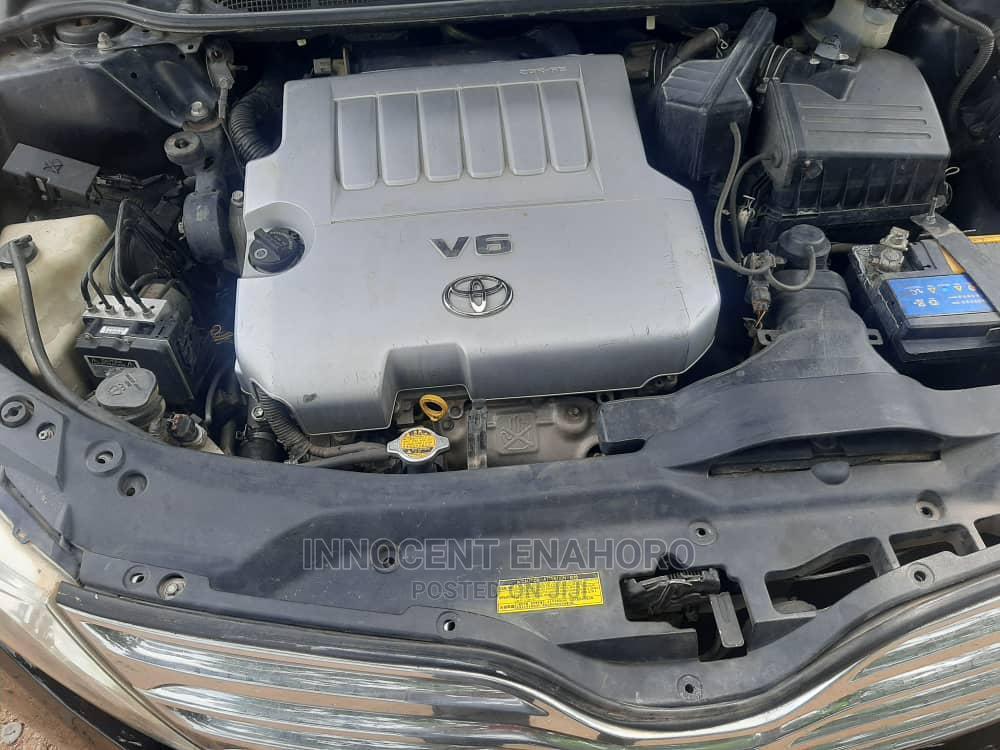 Archive: Toyota Venza 2011 V6 Black