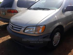 Toyota Sienna 2002 LE Gold | Cars for sale in Lagos State, Ipaja