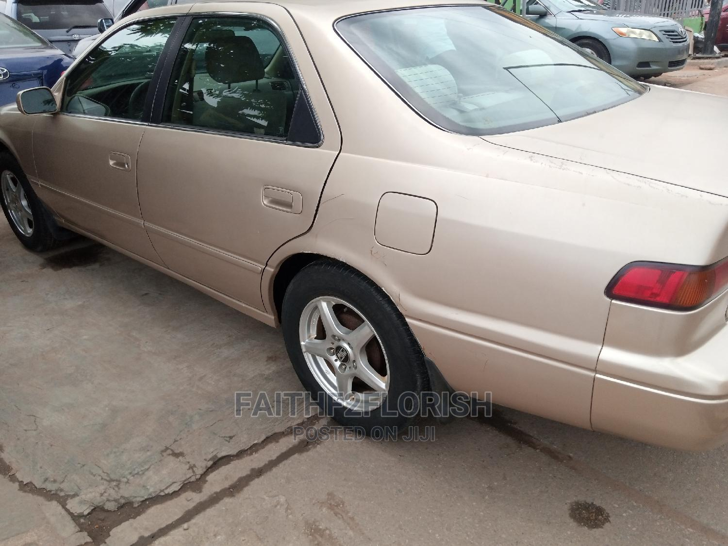 Toyota Camry 1998 Automatic Gold | Cars for sale in Ikeja, Lagos State, Nigeria