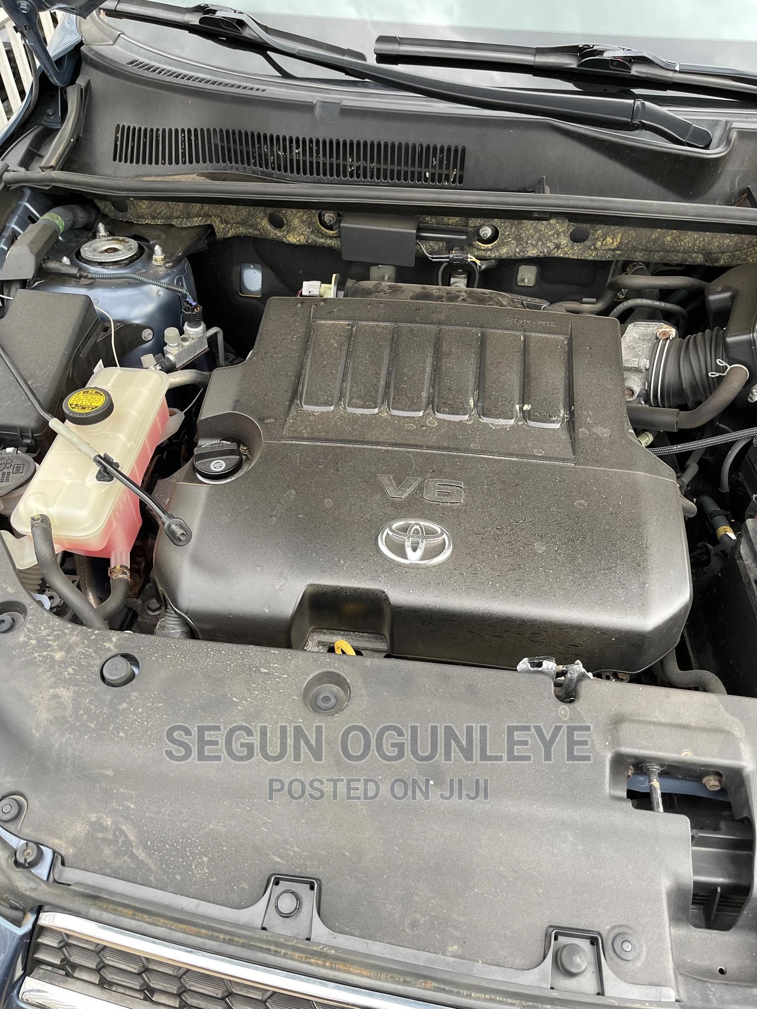 Archive: Toyota RAV4 2010 3.5 Limited 4x4 Blue