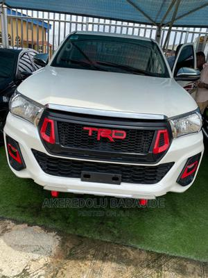 Toyota Hilux 2015 SR 4x4 White | Cars for sale in Lagos State, Ikeja