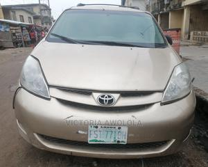 Toyota Sienna 2006 XLE AWD Gold | Cars for sale in Lagos State, Apapa