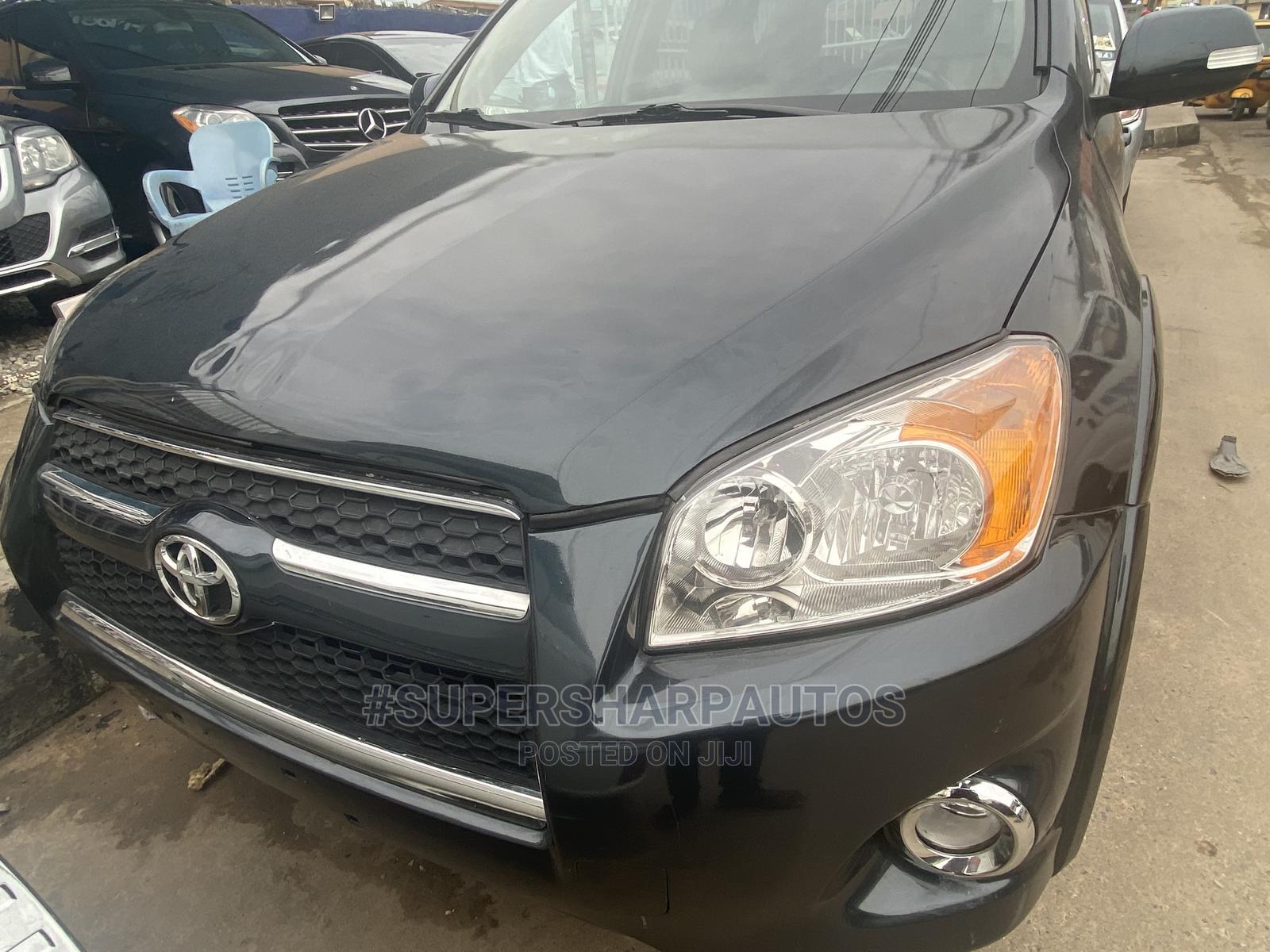 Toyota RAV4 2010 3.5 Limited 4x4 Gray