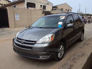 Toyota Sienna 2005 XLE AWD Gray   Cars for sale in Lagos State, Gbagada