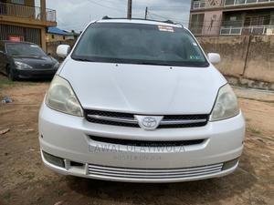 Toyota Sienna 2005 XLE White   Cars for sale in Lagos State, Kosofe