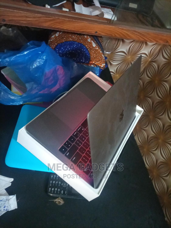 New Laptop Apple MacBook Pro 2017 8GB Intel Core I5 HDD 500GB