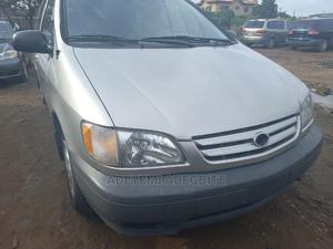 Toyota Sienna 2002 Silver   Cars for sale in Lagos State, Alimosho