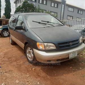 Toyota Sienna 2000 XLE & 1 Hatch Green   Cars for sale in Oyo State, Ibadan