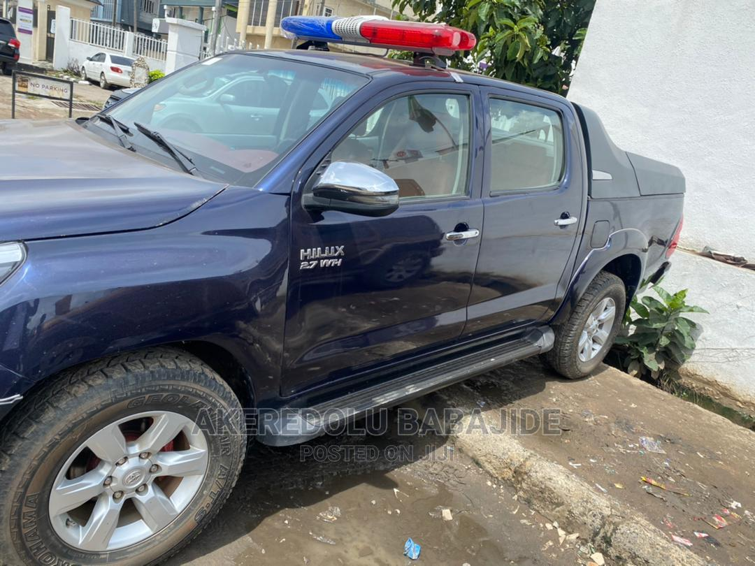 Toyota Hilux 2013 SR 4x4 Blue | Cars for sale in Isolo, Lagos State, Nigeria