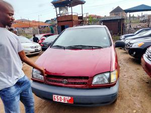 Toyota Sienna 1999 LE 3dr Red | Cars for sale in Lagos State, Isolo