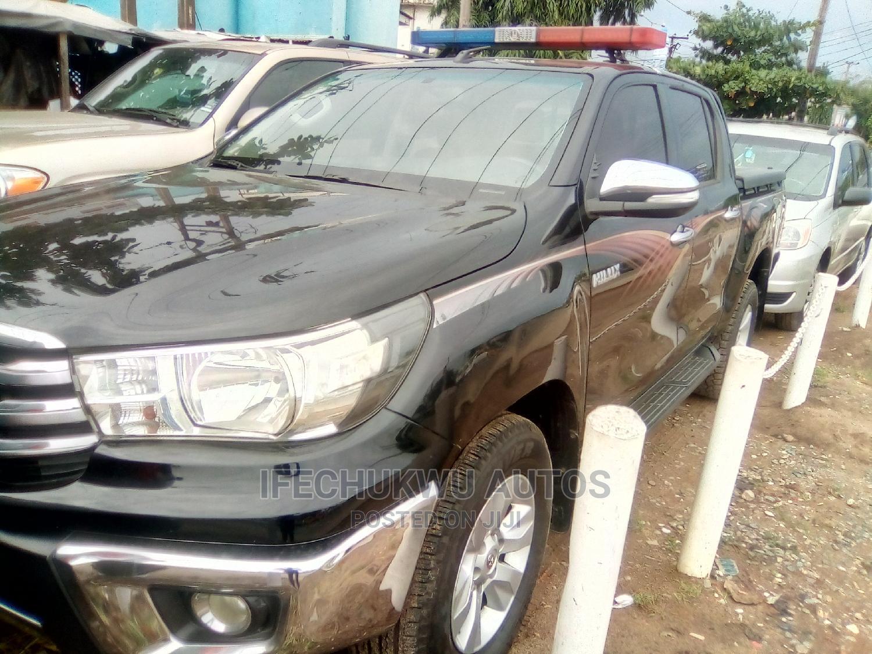 Archive: Toyota Hilux 2016 SR5 4x4 Black