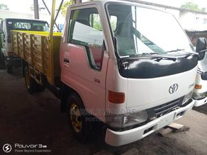 Toyota Dyna 150 6 Tyres Yellow Bucket   Trucks & Trailers for sale in Lagos State, Apapa