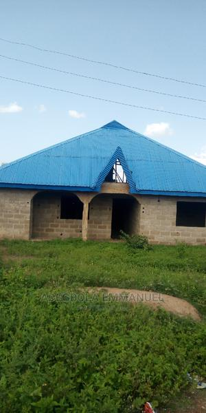 3bdrm Bungalow in Adekola Estate, Alakia for Sale | Houses & Apartments For Sale for sale in Ibadan, Alakia
