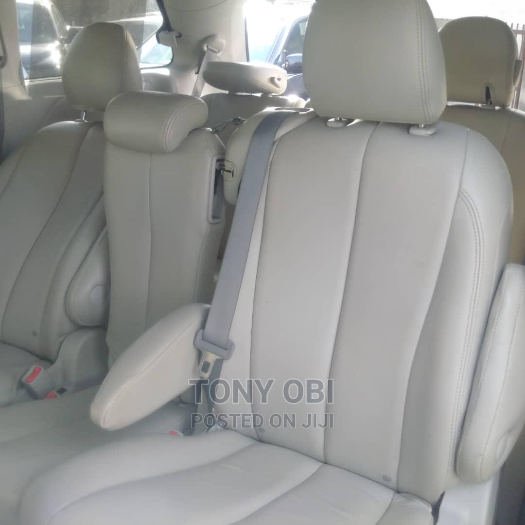 Toyota Sienna 2012 LE 8 Passenger Gray | Cars for sale in Amuwo-Odofin, Lagos State, Nigeria