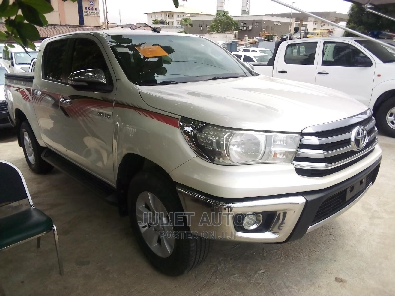 New Toyota Hilux 2019 White