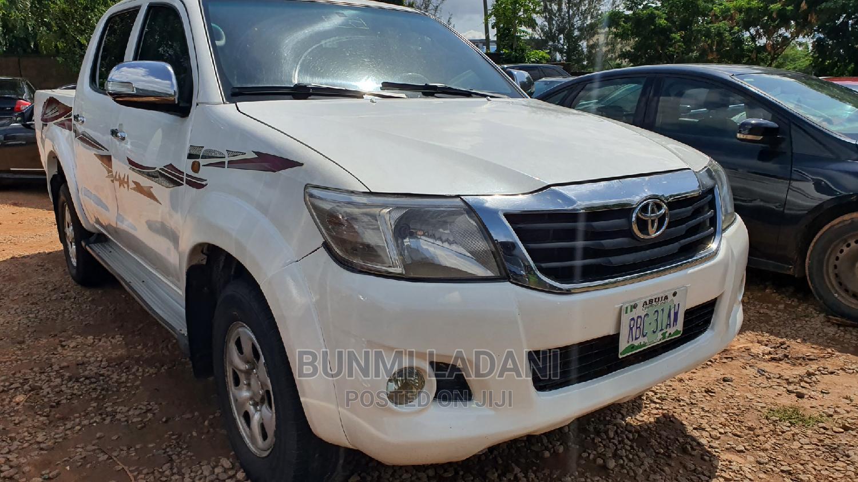 Toyota Hilux 2013 SR White
