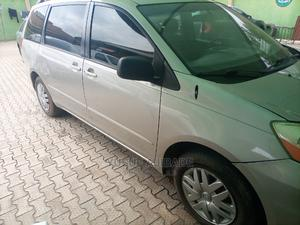 Toyota Sienna 2005 Gold   Cars for sale in Lagos State, Ikotun/Igando