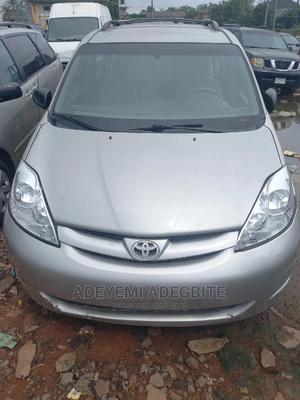 Toyota Sienna 2006 Silver | Cars for sale in Lagos State, Alimosho
