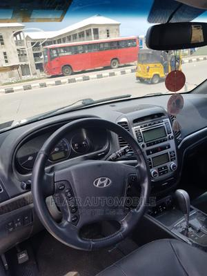Hyundai Santa Fe 2009 2.7 V6 4WD Silver | Cars for sale in Abuja (FCT) State, Central Business Dis