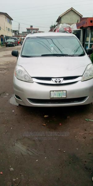 Toyota Sienna 2006 LE AWD Silver | Cars for sale in Lagos State, Surulere