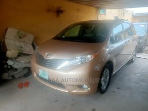 Toyota Sienna 2011 LE 7 Passenger Mobility Gold   Cars for sale in Lagos State, Surulere