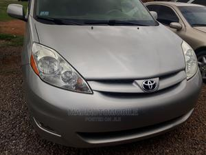 Toyota Sienna 2006 LE FWD Silver | Cars for sale in Abuja (FCT) State, Gudu