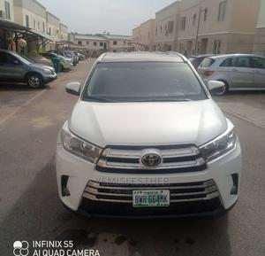 Toyota Highlander 2018 White   Cars for sale in Abuja (FCT) State, Karmo