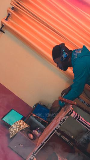 I Am a Producer Looking for a Studio to Work With | Computing & IT CVs for sale in Lagos State, Ojo