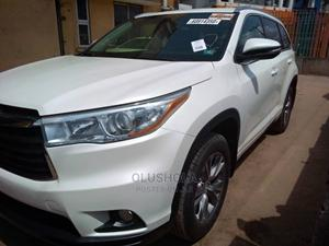 Toyota Highlander 2015 White   Cars for sale in Lagos State, Alimosho