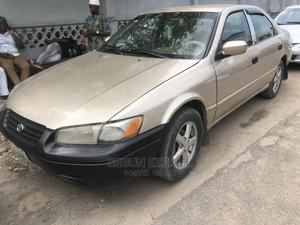 Toyota Camry 1999 Automatic Gold | Cars for sale in Lagos State, Yaba