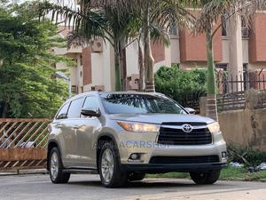 Toyota Highlander 2015 Gold | Cars for sale in Abuja (FCT) State, Central Business Dis