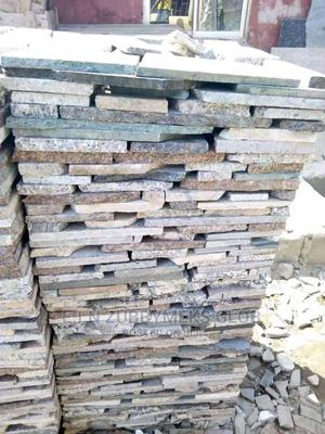 Mixed Paradiana Stone.   Building Materials for sale in Abuja (FCT) State, Dei-Dei