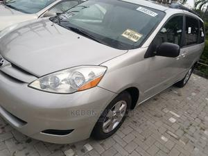Toyota Sienna 2008 LE AWD Gold   Cars for sale in Lagos State, Victoria Island