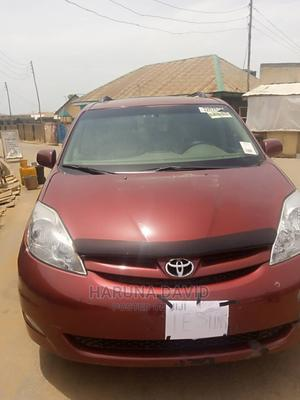 Toyota Sienna 2007 XLE 4WD Red   Cars for sale in Abuja (FCT) State, Karu