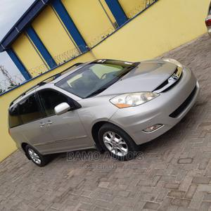 Toyota Sienna 2006 LE AWD Gold   Cars for sale in Lagos State, Ojodu
