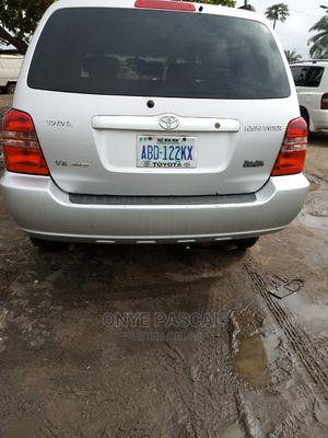 Toyota Highlander 2006 V6 4x4 White | Cars for sale in Anambra State, Idemili