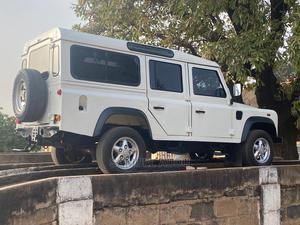Land Rover Defender 2005 130 2.5 TDS White   Cars for sale in Kaduna State, Kaduna / Kaduna State