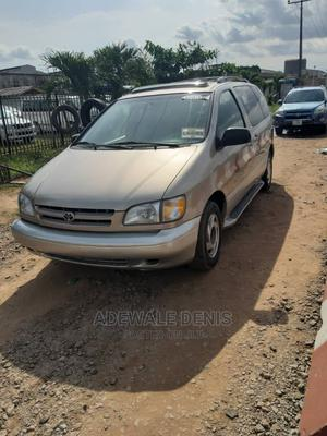 Toyota Sienna 2000 XLE & 1 hatch Gold   Cars for sale in Lagos State, Ikeja